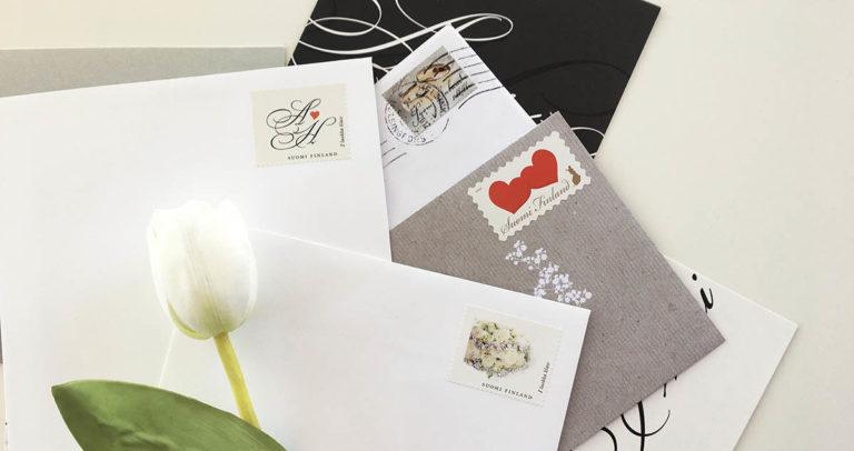 Täydelliset postimerkit hääkutsuille ja kiitoskorteille